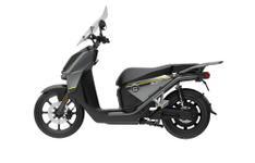 Scuter electric Super SOCO CPX, Motor 6000W, Viteza maxima 90km/h, autonomie 70 Km, port de incarcare USB (Argintiu)